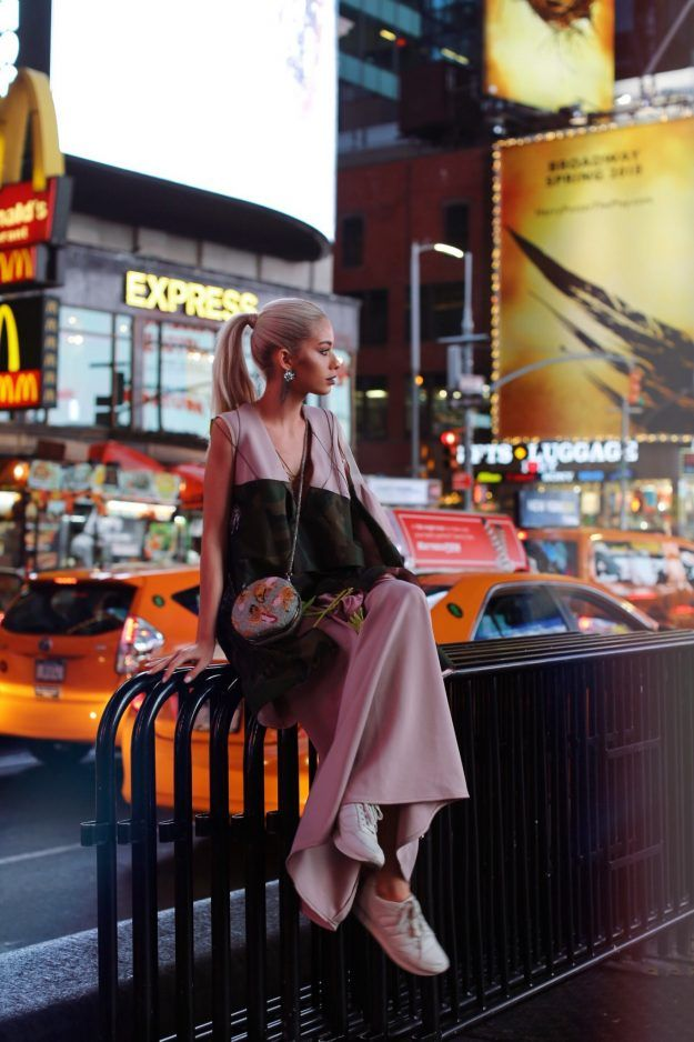 NYFW DAY 2 – Times Square